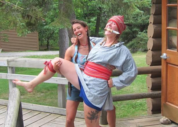 Voyageurs dress up